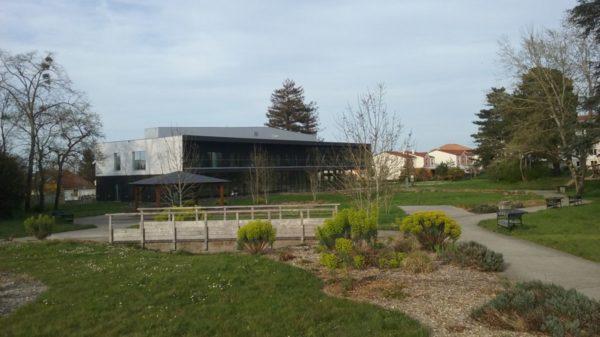 Construire à Basse-Goulaine -  Jardin de l'Hôtel de Ville