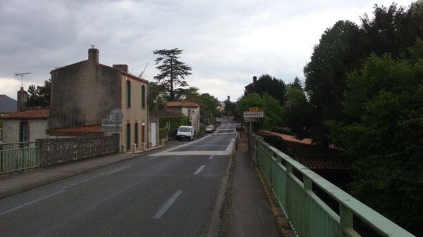 Construire à Monnières -  Entrée par le Pont de la Sèvre