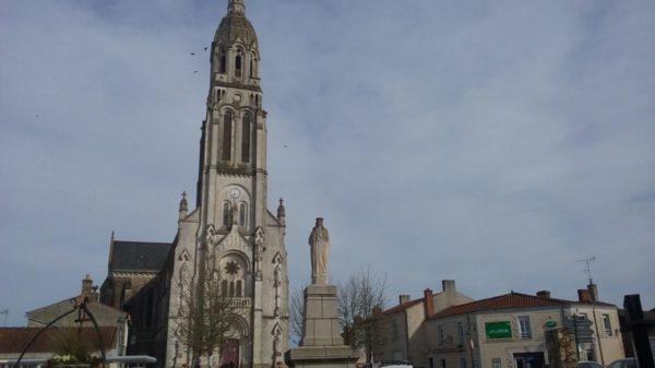 Construire à Saint-Lumine-de-Coutais -  Place de l'Église