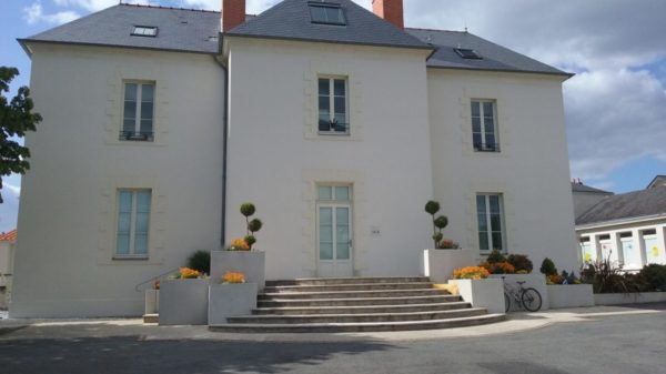 Construire à Pont-Saint-Martin -  Hôtel de Ville, Façade Arrière