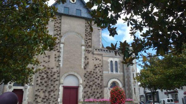 Construire à Saint-Julien-de-Concelles -  Fronton de l'Église