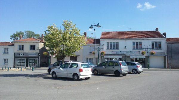 Construire au Bignon -  Place de l'Église et ses Commerces